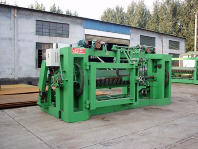 The after-sales service of the veneer peeling machine is very important